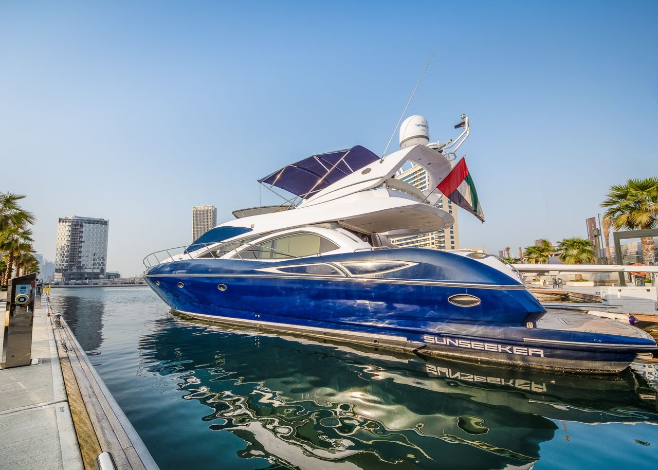 yacht charter in uae