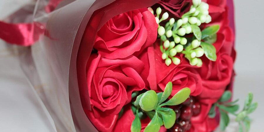 TYPES OF FLOWERS WHICH YOU CAN GIFT TO YOUR DEAR ONES