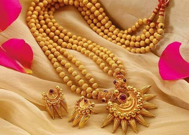 How people get involved in purchasing artificial and ethnic jewellery online?