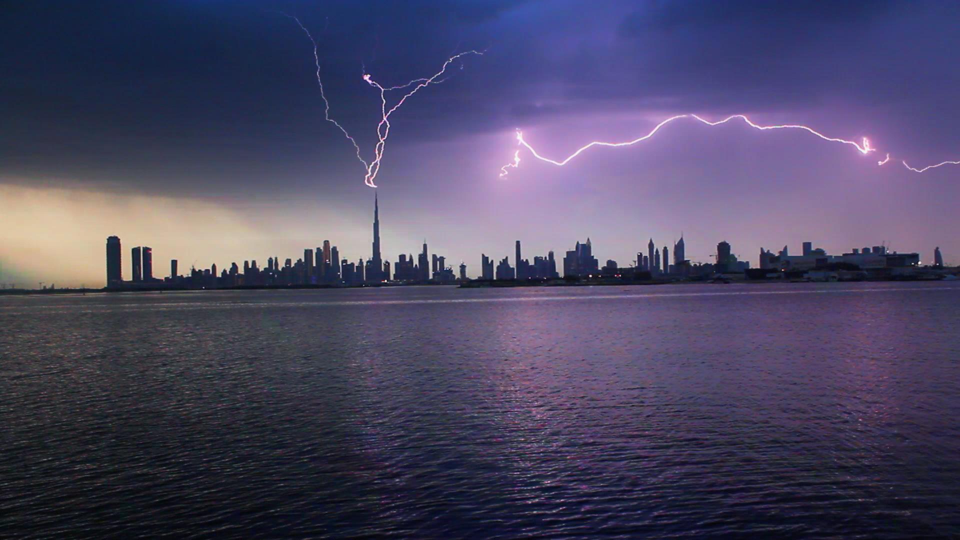 Burj Khalifa lightning conductor